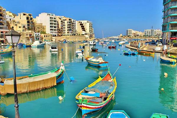 nyelvtanulás Máltán